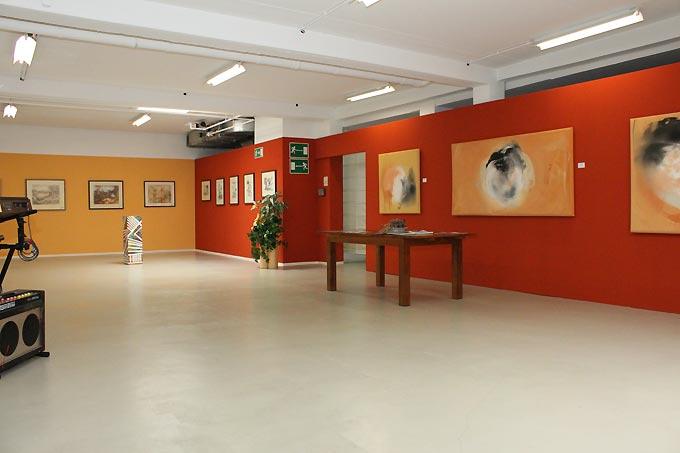 ARTPARK contemporary art Achtung neue Adresse: Wiener Strasse 44 (gegenüber Herz-Jesu-Kirche), A-4020 Linz Eingang Möbel Leitner