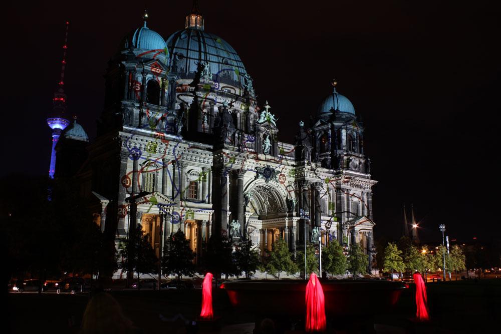 festival-of-lights-berlin-public-light-art-show-projects-contemporary-arts-timeguards-waechter-manfred-kielnhofer-0183.jpg